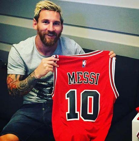Tin the thao HOT 19/10: Messi la fan cuong cua CLB NBA - Anh 1