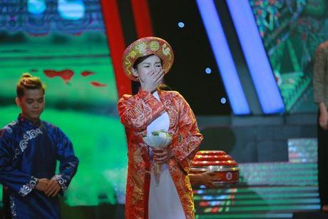 Binh Minh, Viet Huong khoc nghen vi canh nghe si mua lua bi tai nan chay mat - Anh 12