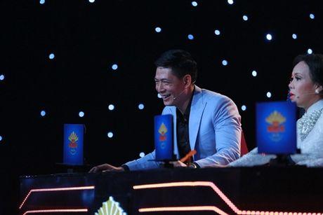 Binh Minh, Viet Huong khoc nghen vi canh nghe si mua lua bi tai nan chay mat - Anh 1