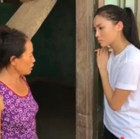 Tang 150 trieu dong, loi bun trong vung lu, Ky Duyen van bi che 'lam mau' - Anh 2