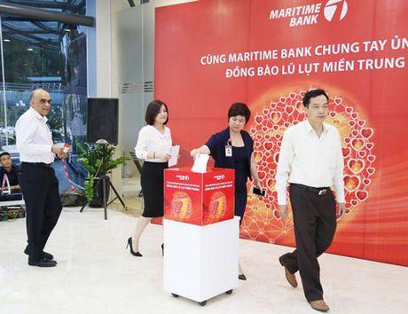 Maritime Bank ung ho dong bao mien Trung - Anh 2