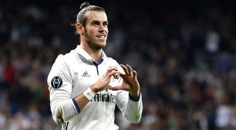 Real Madrid 5 - 1 Legia Warsaw: 'Qua den' cho Ronaldo - Anh 1