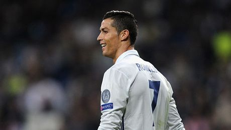 Real Madrid 5 - 1 Legia Warsaw: 'Qua den' cho Ronaldo - Anh 2