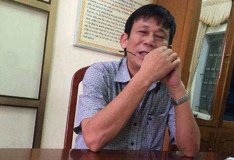 Benh vien Can Loc to chuc di du lich khi nguoi dan Ha Tinh dang chong choi voi lu lut - Anh 2