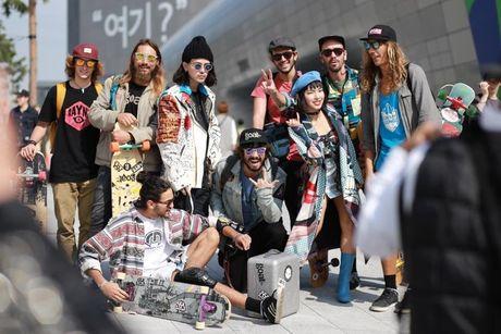 Loat fashionista Viet 'oanh tac' Seoul Fashion Week 2017 - Anh 12