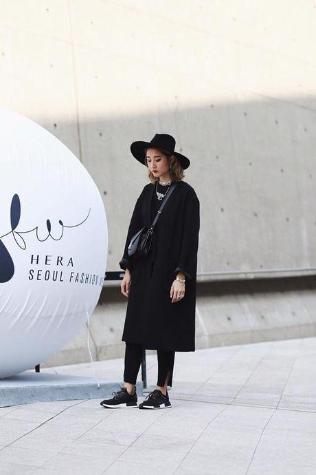 Loat fashionista Viet 'oanh tac' Seoul Fashion Week 2017 - Anh 8