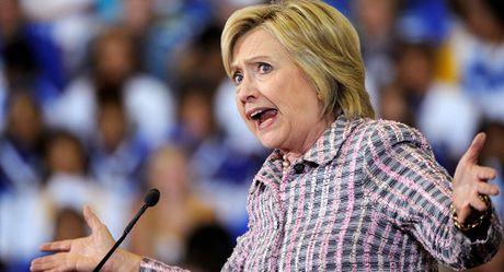 Au da o New York vi buc tuong ba Clinton khoa than - Anh 1