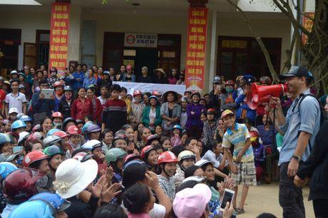'Soai ca' Phan Anh di dom tiet lo 'hau truong' chuyen di Quang Binh - Anh 3