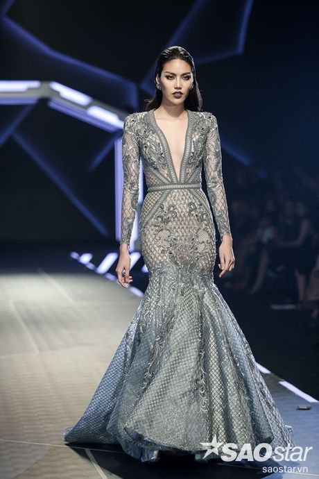 Lan Khue cung dan 'chien binh' The Face chiem the thuong phong tai Chung Thanh Phong Fashion show - Anh 10