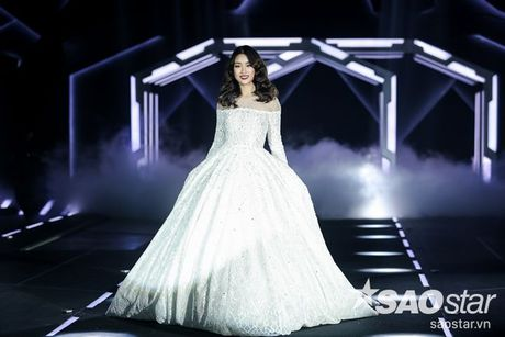 Lan Khue cung dan 'chien binh' The Face chiem the thuong phong tai Chung Thanh Phong Fashion show - Anh 13