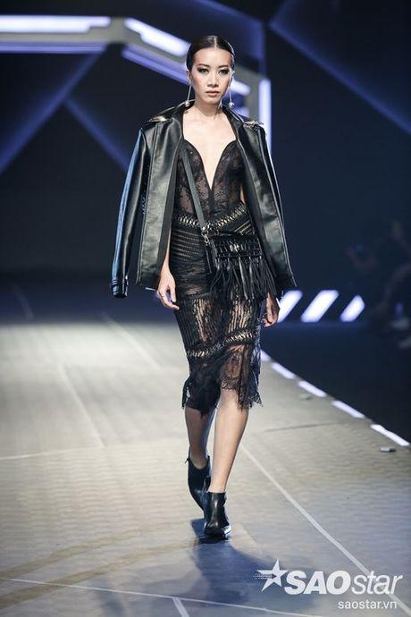 Lan Khue cung dan 'chien binh' The Face chiem the thuong phong tai Chung Thanh Phong Fashion show - Anh 17
