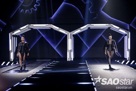 Lan Khue cung dan 'chien binh' The Face chiem the thuong phong tai Chung Thanh Phong Fashion show - Anh 4