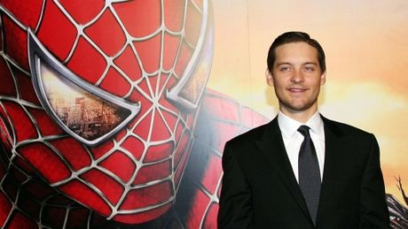 'Nguoi nhen' Tobey Maguire chia tay vo sau 9 nam ket hon - Anh 3