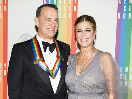 Vo chong tai tu Tom Hanks thang kien hai to bao 'la cai' - Anh 1