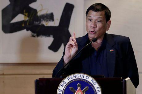 Ong Duterte tuyen bo phan quyet vu kien Bien Dong chi la mau giay - Anh 1
