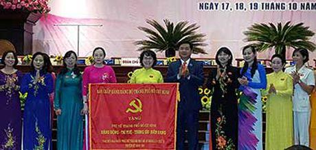 TP.HCM trao 100 ti dong giup phu nu thoat ngheo - Anh 3