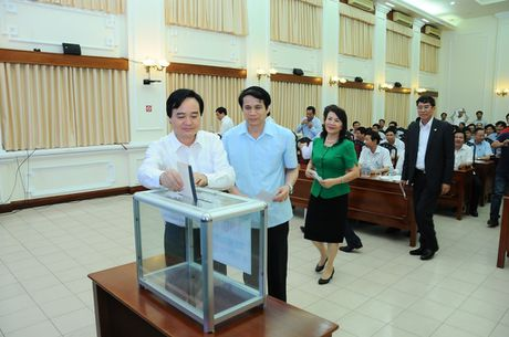 Bo GD&DT to chuc le quyen gop ung ho nguoi vung lu - Anh 2