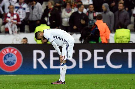 Buffon can pha 11 m, Juventus thang trong tran mat nguoi - Anh 9