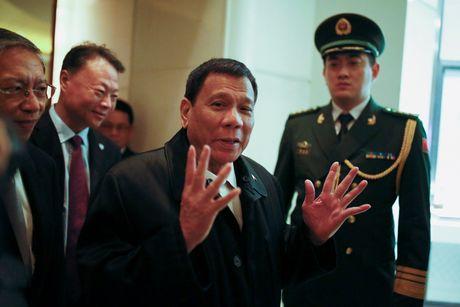 Duterte toi Trung Quoc: Khong thao luan ve Bien Dong - Anh 1