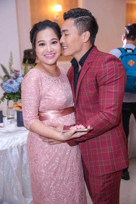 MC Hong Phuong co bau 6 thang van to chuc su kien cho chong - Anh 4