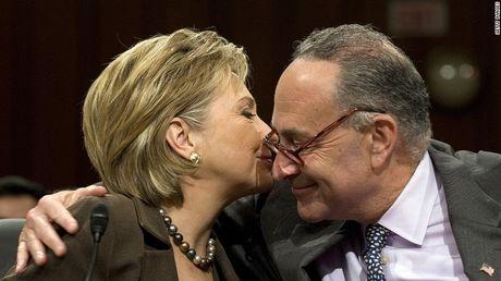 Ba Hillary tu tin tien vao sao huyet cua dang Cong hoa - Anh 2
