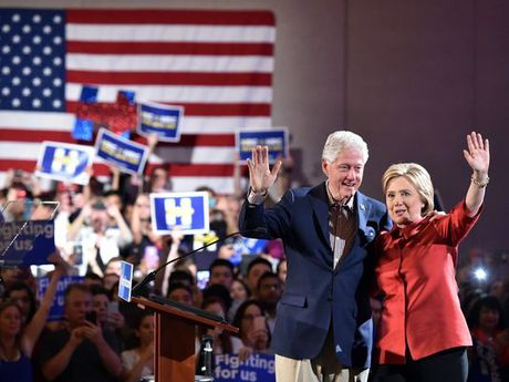 Ba Hillary tu tin tien vao sao huyet cua dang Cong hoa - Anh 3