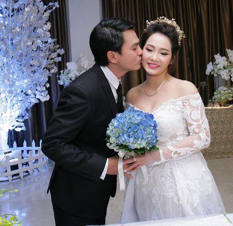 Cao Minh Dat lan dau chia se ve tinh yeu voi vo kem 8 tuoi - Anh 2