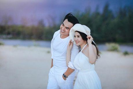 Cao Minh Dat lan dau chia se ve tinh yeu voi vo kem 8 tuoi - Anh 3