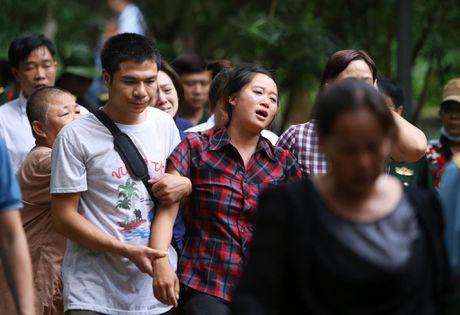 Dua thi the 3 phi cong tu nan trong vu may bay roi ve TP.HCM - Anh 30