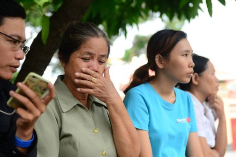 Dua thi the 3 phi cong tu nan trong vu may bay roi ve TP.HCM - Anh 35