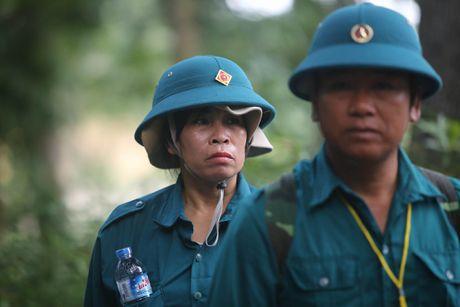 Dua thi the 3 phi cong tu nan trong vu may bay roi ve TP.HCM - Anh 4