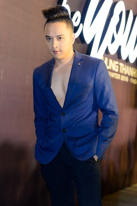 Phuong Trinh duoc ban trai Vo Canh thap tung xem thoi trang - Anh 10