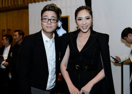 Phuong Trinh duoc ban trai Vo Canh thap tung xem thoi trang - Anh 13