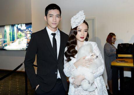 Phuong Trinh duoc ban trai Vo Canh thap tung xem thoi trang - Anh 2