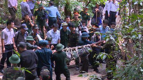 30 gio bang rung tim may bay truc thang roi o Ba Ria - Anh 14