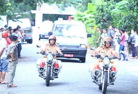 Dua thi the 3 phi cong xuong nui - Anh 10