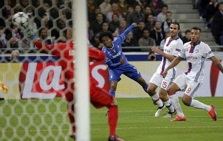 Juventus da bai Lyon bang sieu pham cua hang thua Chelsea - Anh 1