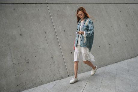 Di Seoul Fashion Week, hoc street style the gioi - Anh 2