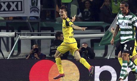 Aubameyang but toc khung khiep roi dut diem tinh te, Dortmund ha dep Sporting Lisbon - Anh 1