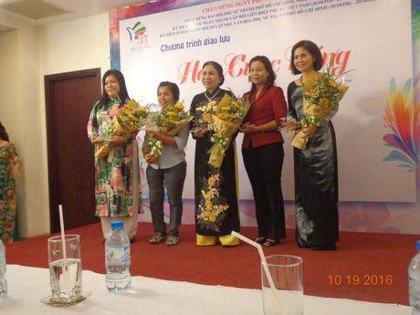 Giao luu 'Hoa cuoc song': Guong phu nu vuot kho, thanh dat - Anh 1
