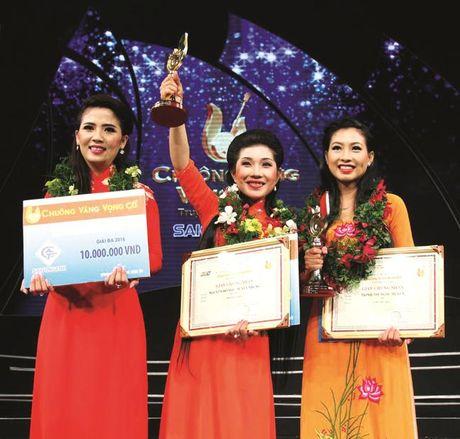 Chuong vang vong co 2016 Nguyen Ho Nhu Tuyet Nhung Toi luon mang theo hanh trang ba me cho - Anh 1