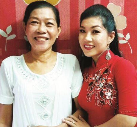 Chuong vang vong co 2016 Nguyen Ho Nhu Tuyet Nhung Toi luon mang theo hanh trang ba me cho - Anh 4