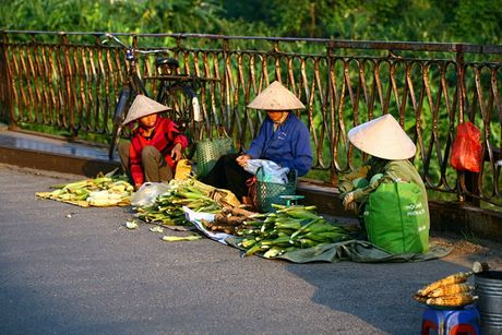Ve dep nguoi phu nu Viet Nam cung chiec non la - Anh 4