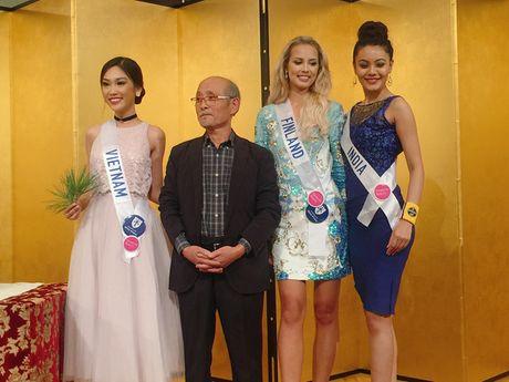 Phuong Linh dem 'dua tram huong' den voi Hoa hau Quoc te 2016 - Anh 5