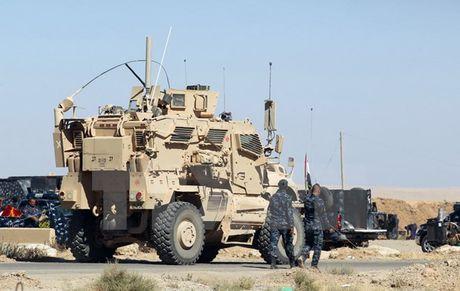 Cac thu linh cua IS dang thi nhau 'chay tron khoi Mosul' - Anh 1