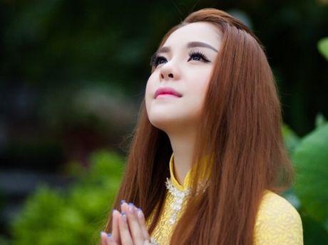 Chau gai Kim Tieu Long ra mat MV Phat giao 'Me Quan am lang nghe' - Anh 1