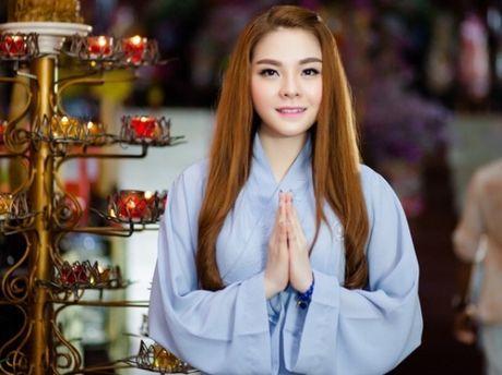 Chau gai Kim Tieu Long ra mat MV Phat giao 'Me Quan am lang nghe' - Anh 2