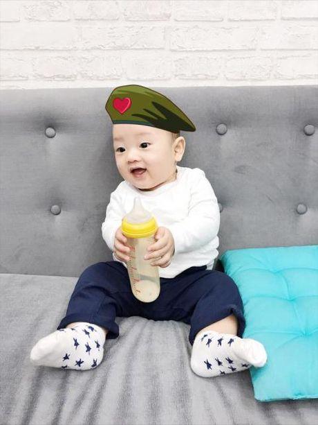 Mac Hong Quan co con trai, van kho la cha guong mau - Anh 2