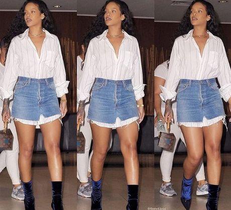 Hau chia tay ban trai, Rihanna ngay cang nong bong - Anh 3