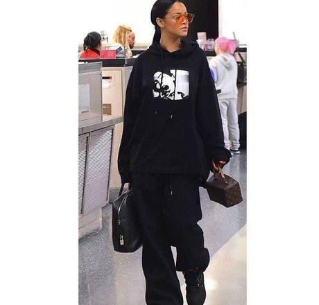 Hau chia tay ban trai, Rihanna ngay cang nong bong - Anh 4